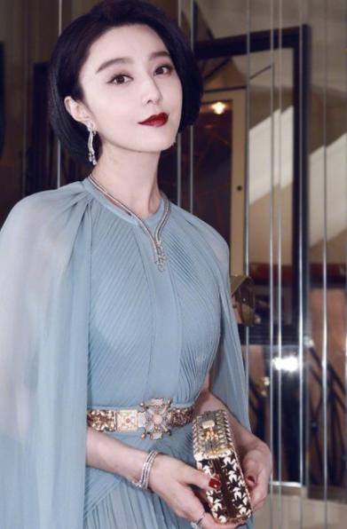 范冰冰戴戴比尔斯珠宝亮相戛纳电影节 造型优美温婉动人