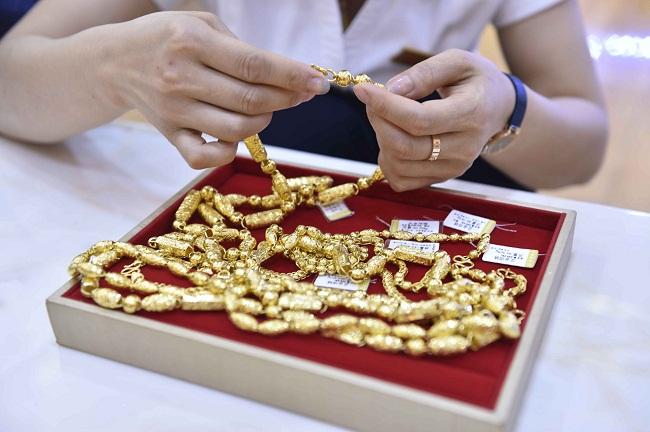 云阳军警民齐心捕获5.12黄金首饰抢劫案劫匪 彰显高品质人格