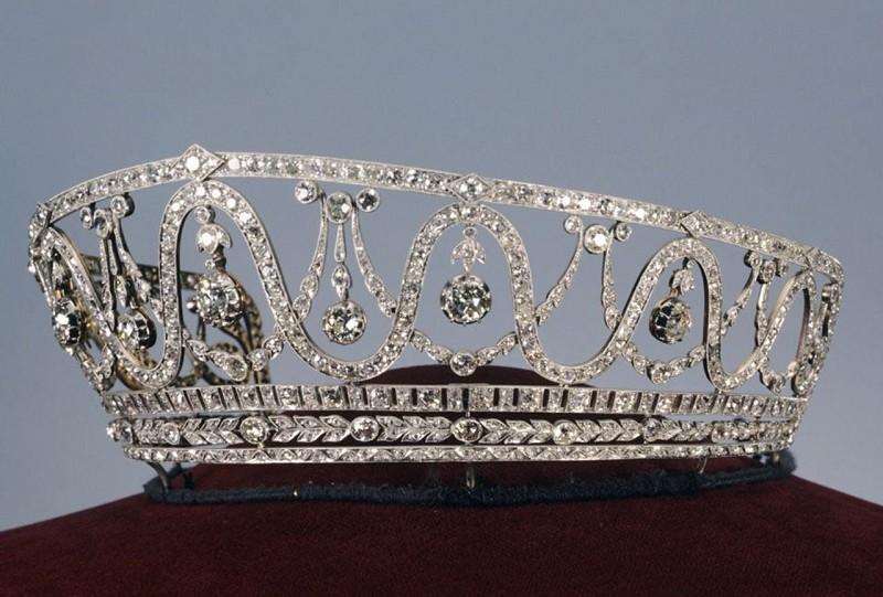 德国博物馆上月被盗钻石王冠至今仍下落不明 警方急寻线索