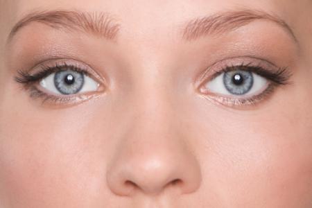 眼部化妆步骤_眼部怎么化妆_眼睛变大的化妆技巧_眼部化妆的正确步骤_金投奢侈品