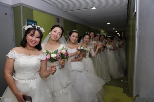 南京大学集体婚礼 115对新人共同许下爱的誓约