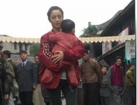 佟丽娅探班陈思诚 卓伟:没有离婚重归于好
