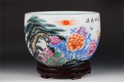 《锦绣中华》粉彩特制珍藏缸堪称当代贡瓷一绝