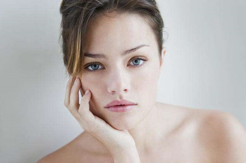 敏感肌肤用什么护肤品