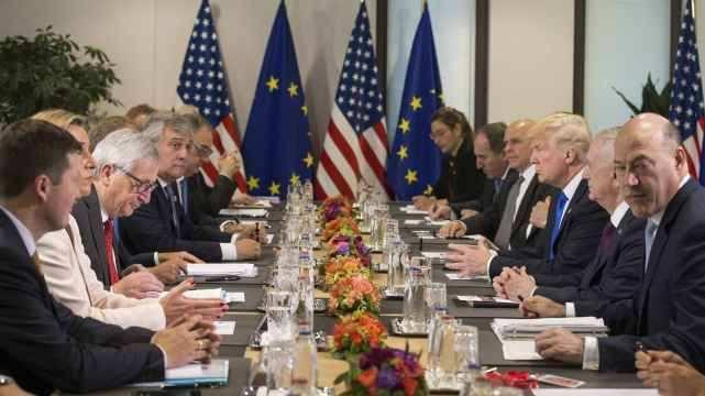 """特朗普北约峰会""""首秀"""" 美国与欧盟分歧犹存"""