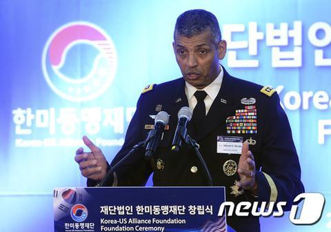 驻韩美军司令敦促加快萨德部署 称保护韩国别无他意