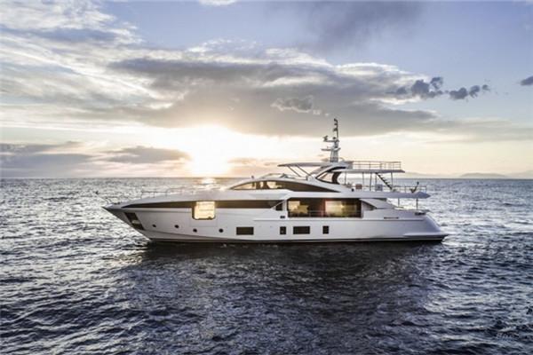 Azimut Grande 35 Metri游艇将于西里亚游艇盛会发布