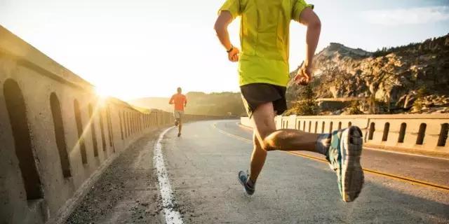 早晨跑步好还是晚上跑步好? 教你早晨跑步的好处