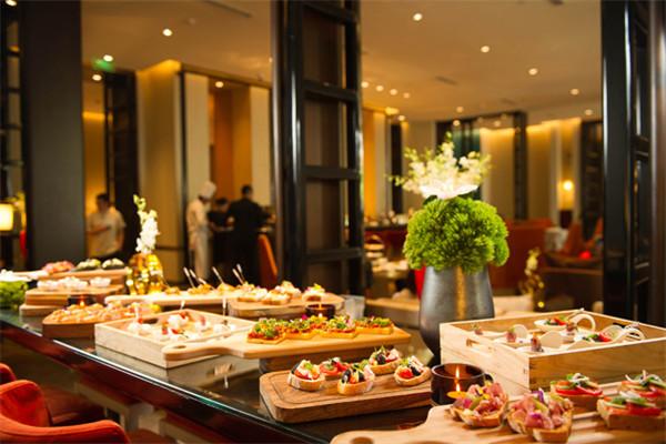 北京华尔道夫酒店羿庭推出美食美酒曼妙时光