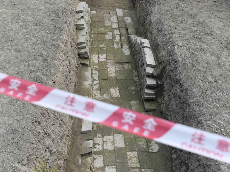 成都闹市挖出千年古寺 部分出土文物庄严祥和造型精美