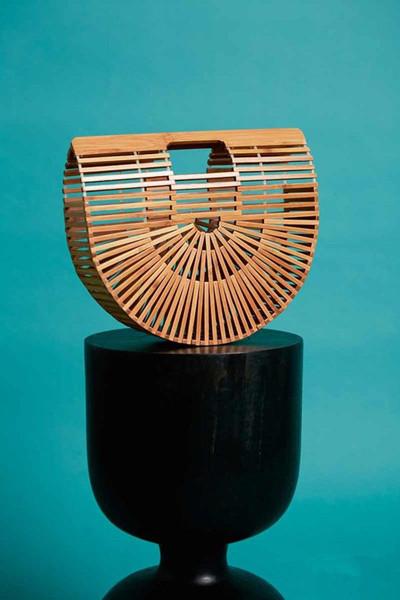 Cult Gaia推出全新竹篮包包 设计别具艺术感
