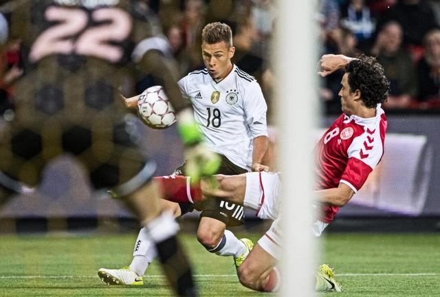 一场国际足球友谊赛中 德国1比1险平丹麦