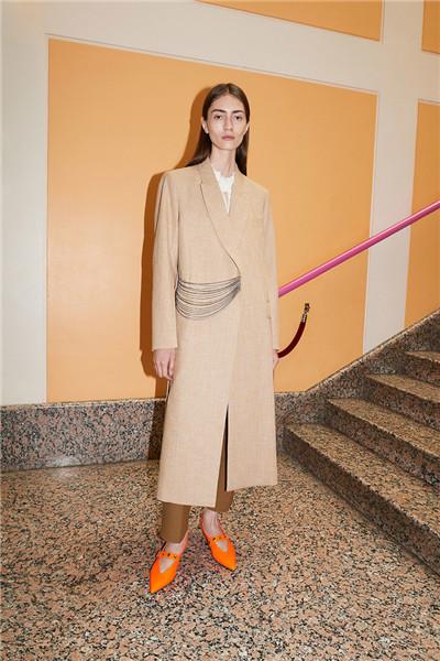 Victoria Beckham释出2018早春度假系列时尚型录