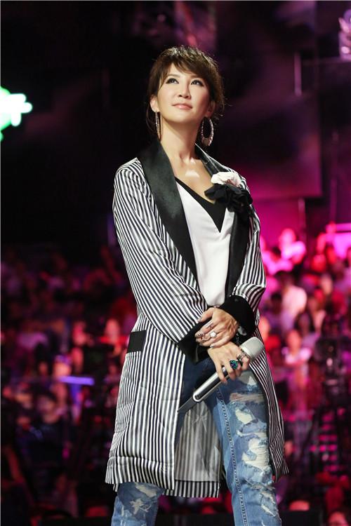 《和你唱》李玟自信善画五官 韩红为其演唱会呐喊助力