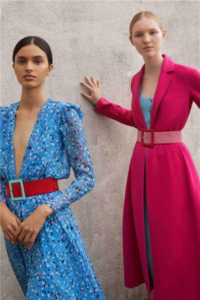 Carolina Herrera服装品牌释出2018早春度假系列