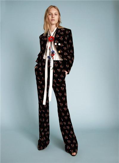 Sonia Rykiel服装品牌释出2018早春度假系列时尚型录