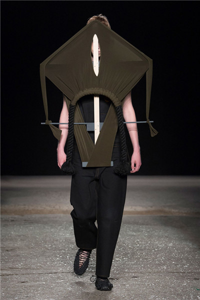 Craig Green服装品牌于伦敦男装周发布2018春夏男装系列