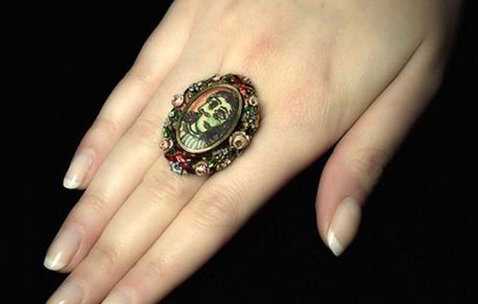 西班牙画家毕加索戒指将拍卖 成交价可能达50万英镑