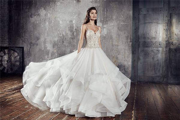Eddy K.服装品牌释出2018年Couture婚纱系列广告大片