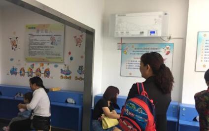 宁波10岁女孩吹风扇一夜面瘫_夏季别太贪凉(附注意事项