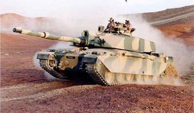 坦克训练时爆炸 这就尴尬了当时发生了什么?