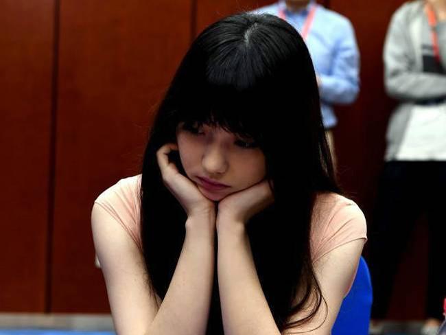 围棋界第一美女 参加围棋人机团体配对赛以1又1/4子获胜