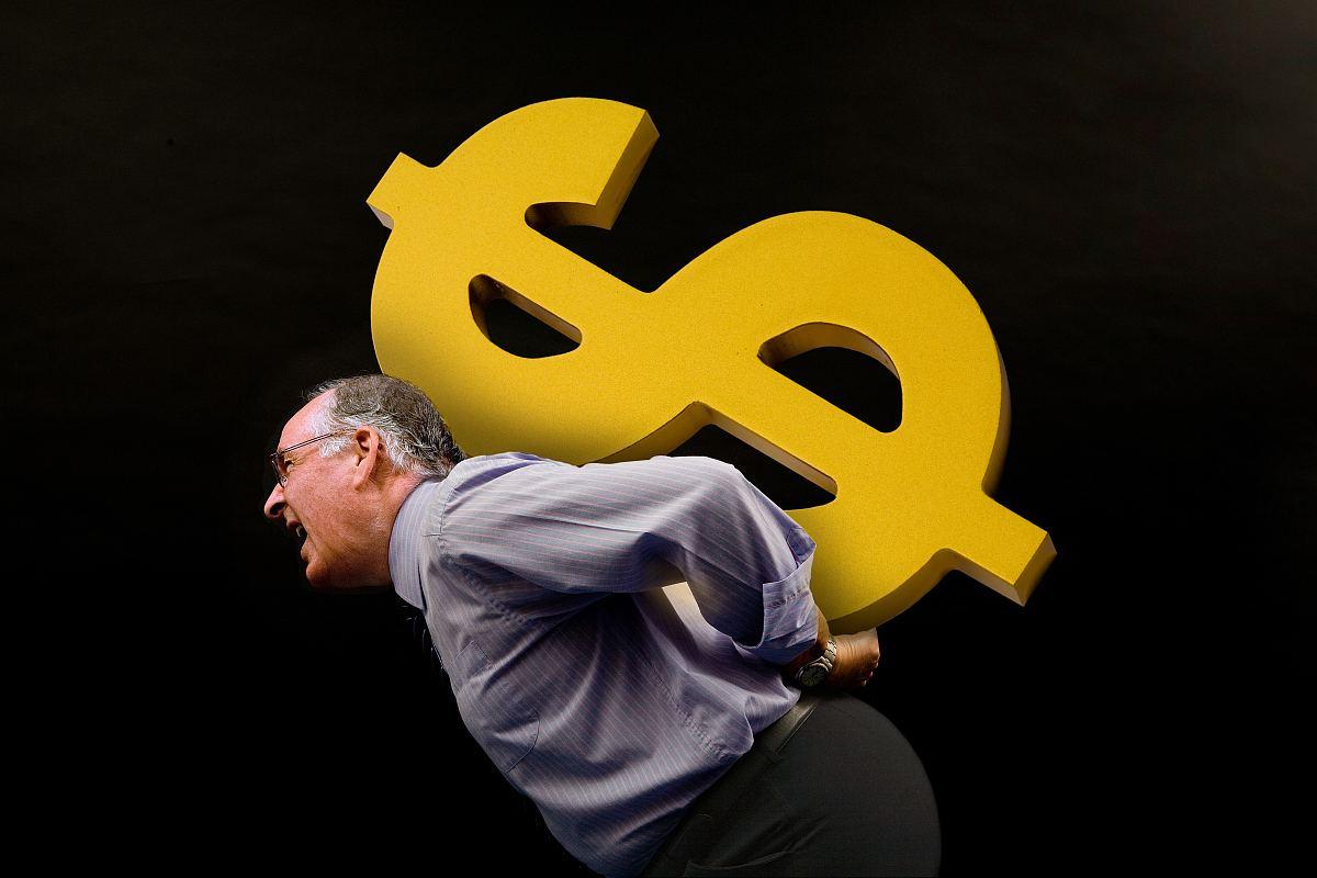 """美联储升息""""不管用""""?美元前景仍挣扎"""