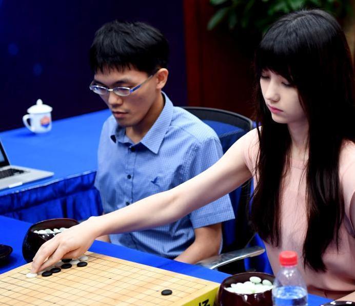 作为2017围棋人工智能与物联网大会重要活动的此次围棋人机团体配对赛在中国尚属首次。