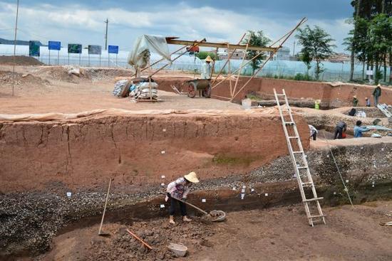 从2014年开始,云南省文物考古研究所研究员蒋志龙等人员,开始在滇池东南岸区域进行全方位的调查、大面积的普探,在普探的基础上又进行了重点勘探,目的是确定遗址的范围和布局情况。