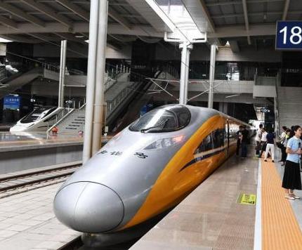 """中国高铁网络扩容 越来越多省份搭上""""和谐号"""""""