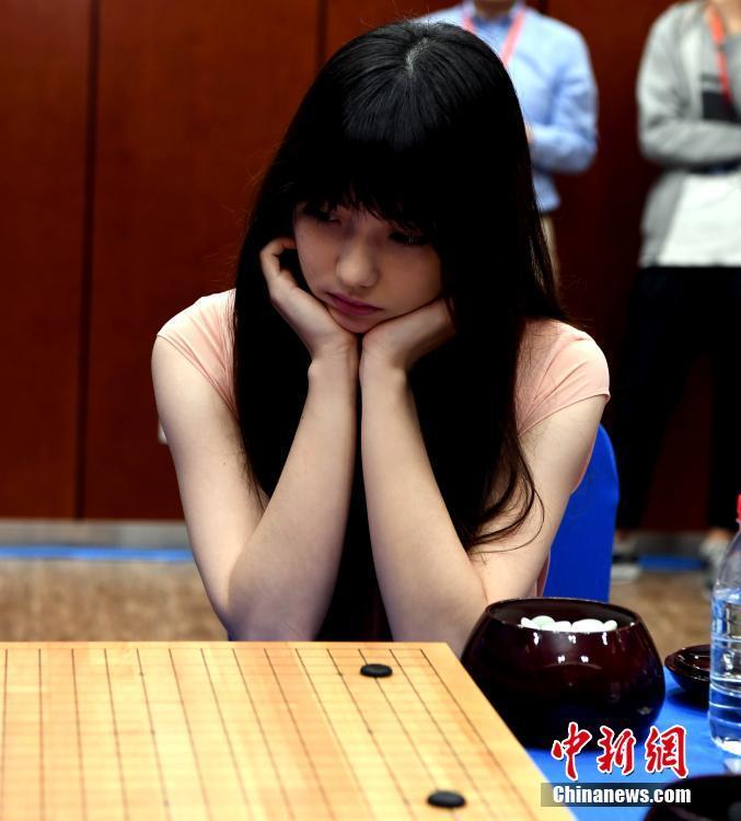 台湾选手被誉为围棋界第一美女 曾是世界围棋形象大使