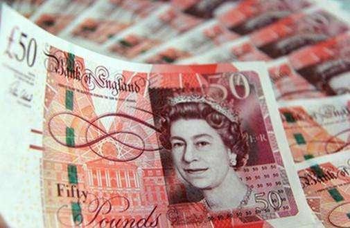 英镑暴跌遭受重创 英国央行加息无望?