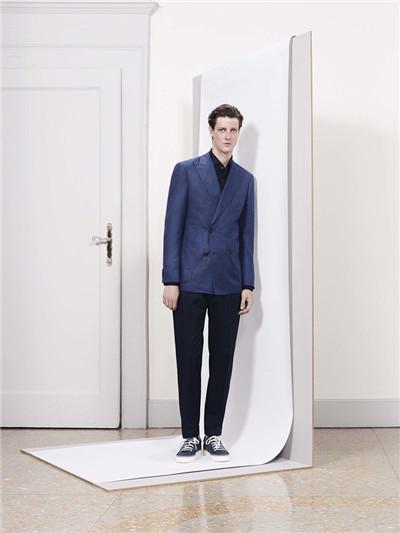 Corneliani服装品牌于米兰发布2018春夏男装系列
