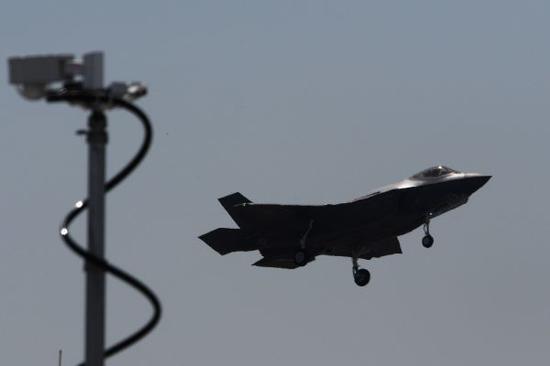 2017巴黎航展众星云集 美F-35首秀性能强悍