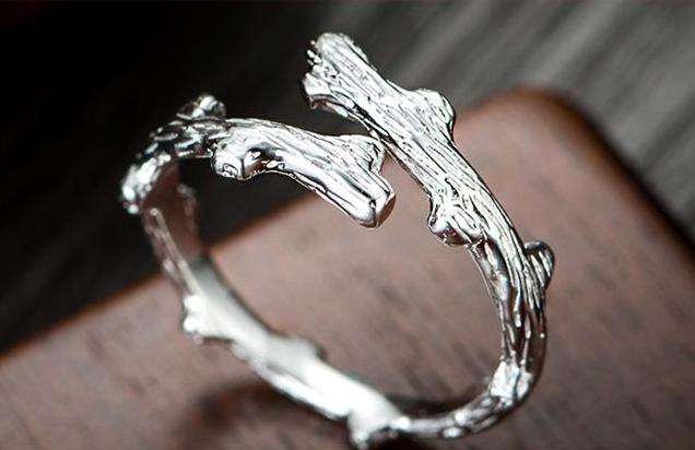 戒指里面刻着足银是什么意思?