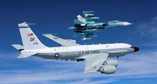 美俄军机相距1.5米几乎相撞 称飞行动作带有挑衅性质