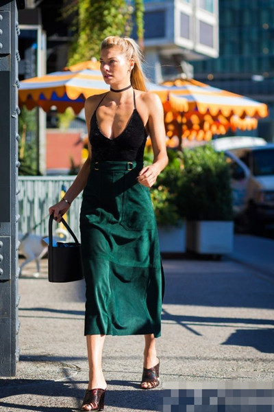 欧美服装流行趋势示范 直筒裙低调又富有女人味