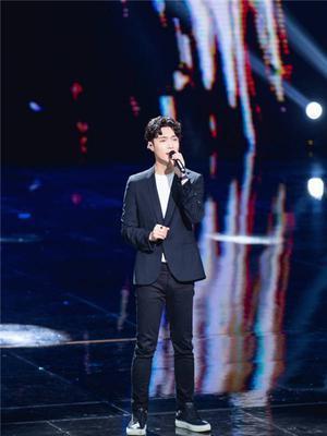 张艺兴献唱遇故障 发文:我演唱得非常糟糕