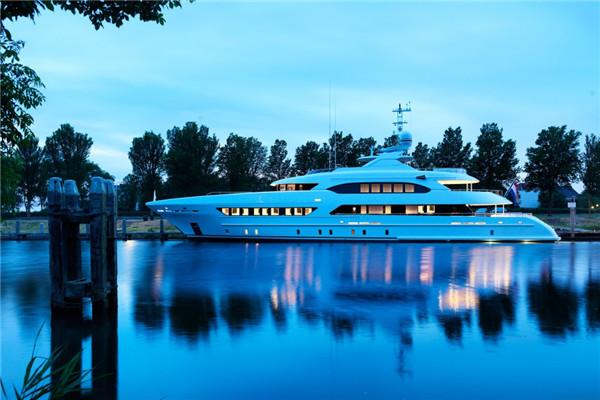 荷兰船厂推出全新47米Ruya动力游艇项目