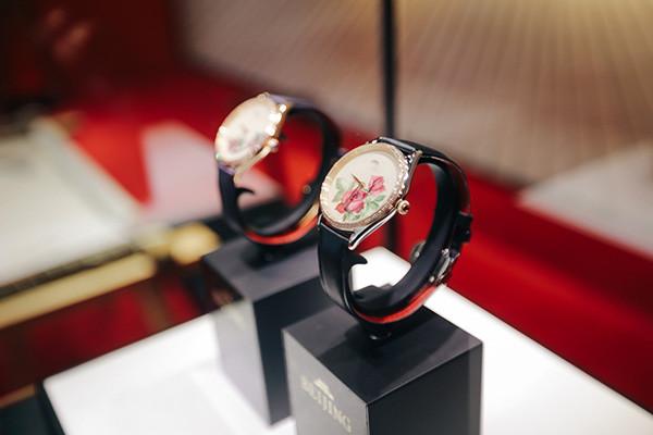 北京表名表品牌携两款全新系列腕表亮相国际钟表展