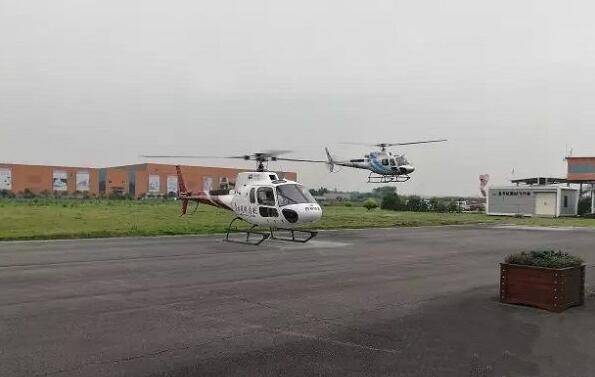 西林凤腾调用两架私人直升机前往阿坝州茂县救援