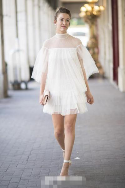 欧美达人夏季街拍示范 纯色系连衣裙一点不单一