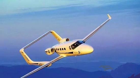 亚当A500私人飞机 机身两侧各有三扇圆形舷窗