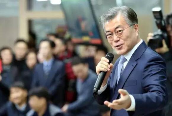 """文在寅署名""""大韩美国总统"""" 亲美?萨德反转已无可能"""