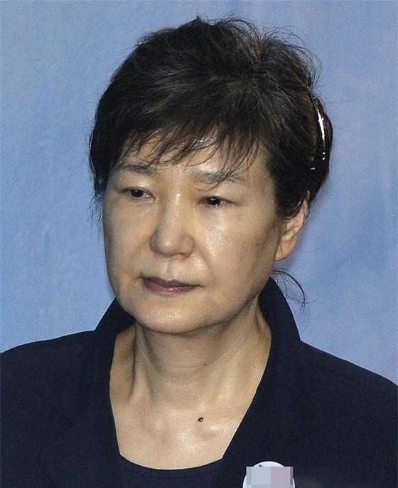朴槿惠庭审时昏迷 昏迷时间一度达到五分钟