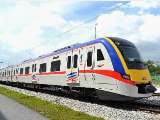 新能源城际动车组开展试验 具备跨轨运营功能时速可达160公里
