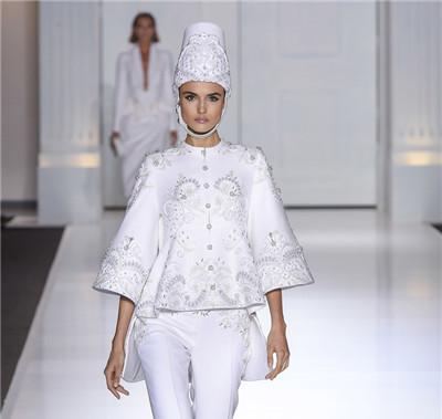 Ralph & Russo服装品牌于巴黎发布2017秋冬高定系列