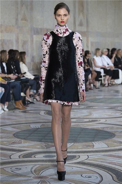 Giambattista Valli服装品牌发布2017秋冬高定系列