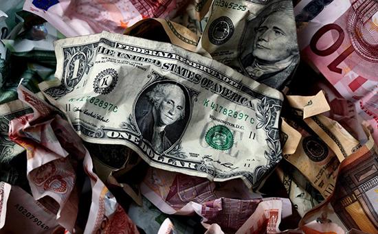 """全球央行掀起紧缩潮 """"得罪""""新兴市场货币!"""