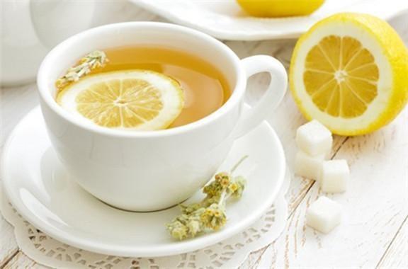 蜂蜜水的妙用你知道吗? 和这些花茶搭配皮肤白嫩光泽